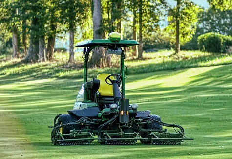 JOHN DEERE TEAMS UP FOR AUTONOMOUS MOWING FOR SPORTS